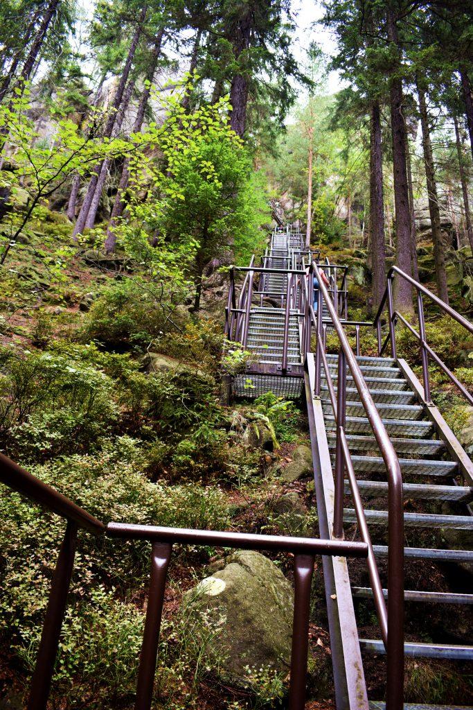 Skalne Miasto w Teplicach-300 stopni schodów na szczyt punktu widokowego