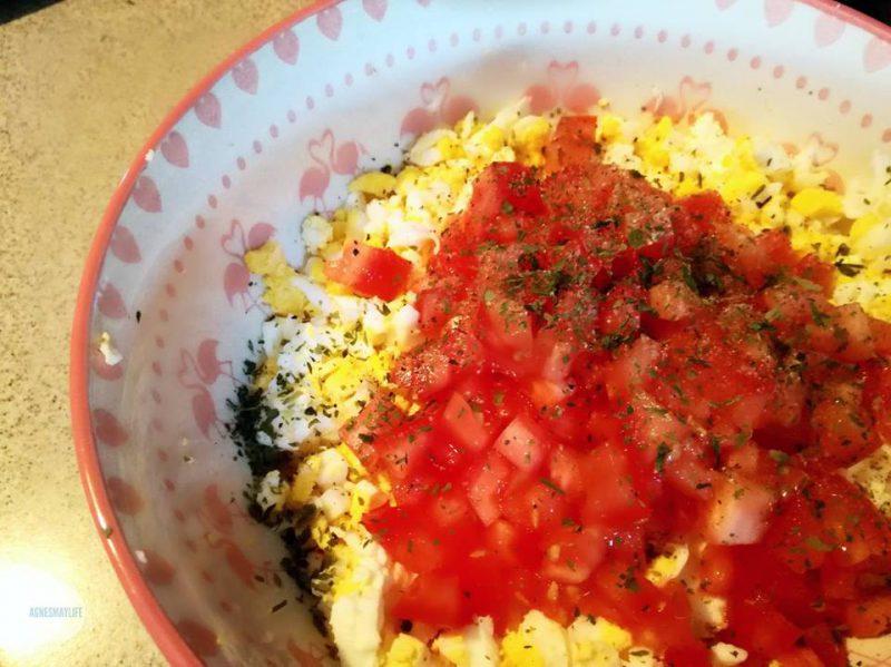 pasta jajeczna z pomidorem