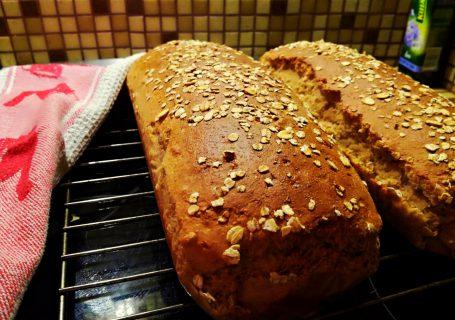 chleb z maki orkiszowej